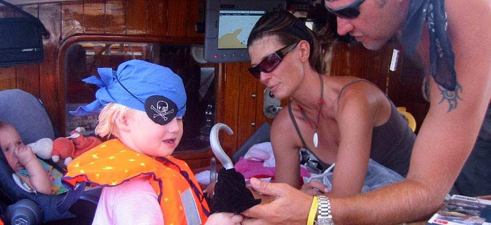 Sailing holiday is great for children | zeilvakanties zijn fantastisch voor kinderen | Sail in Greece Rhodes | sail-in-greece.net